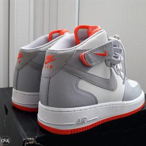 Nike air force1,44.5broj,cjena fixna.