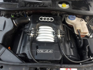 Motor audi 2.4 benzin