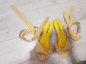 Zenske sandale na vezanje (velicina 40)