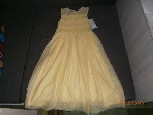 Svečana haljina,marke BTween ..Uzrast 10 godina.