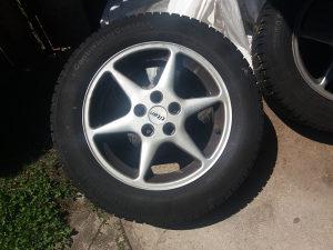 Set guma sa aluminijskim fegama