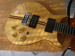 Washburn Falcon - Vintage gitara Made in Japan 1980.