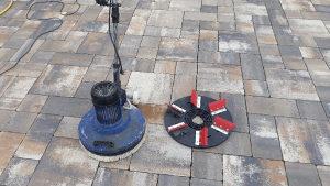 Masina za pranje i poliranje podova