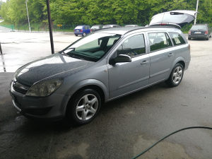 Opel astra h 2008 god face lift dijelovi