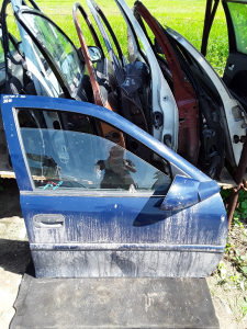 Vrata Vectra B Karavan Prednja Desna