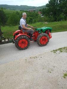 Traktor sa prikolicom pasquali 18 konja