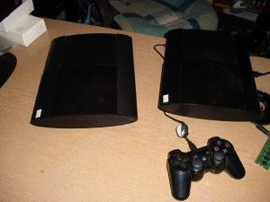 PS3 super slim . 500 Gb - 25 igrica PES i fifa 19