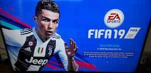 PS3 Super slim Čipovan 250gb 30igara FIFA19