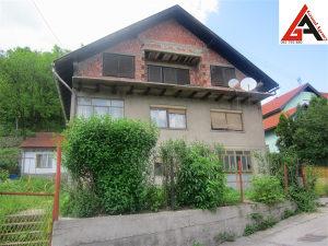 Kuća 280 m2 sa 800 m2 okućnice - Cankareva ZENICA