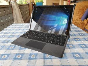 Microsoft Surface Pro - Intel Core i5 8GB RAM 250SSD