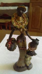 Skulptura dijevojka (Afrikanka )