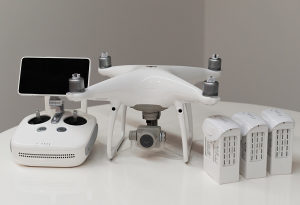 Dron DJI Phantom 4 PRO V2.0 + Fly more combo