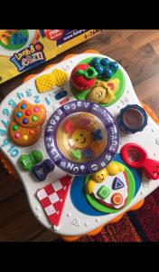 Interaktivni edukativni stolic za bebe
