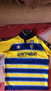 Dres fudbalskog kluba Parme iz 1999. godine
