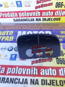 Ventilacija na kontrolnoj tabli Audi A4 2009g 5P1819110