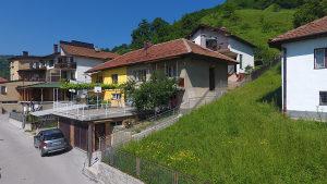 Prodaju se dvije kuće: VISOKO- Ul. Rašidovića