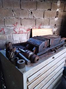 Glodalica za obradu metala
