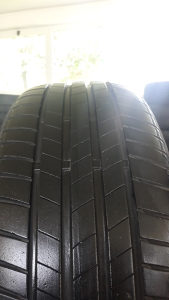 2 gume 215 55 17 Bridgestone 2018