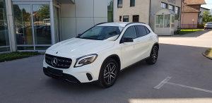 Mercedes-Benz GLA 200d 4 MATIC