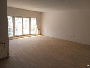 Petosoban stan za najam – 135 m2