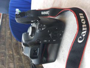 Canon eos 4000 D
