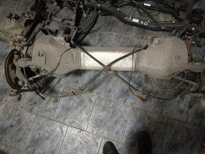 Peugeot 407 dijelovi djelovi zadnji most trap