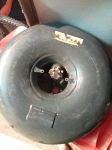 Boca za plin u autu