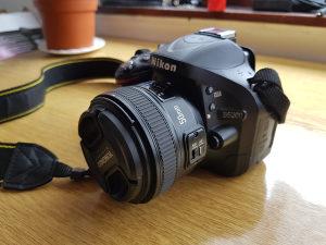 Nikon D5200---Yongnuo 50mm 1.8---Nikor 18-55mm 3.5