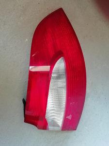 Superba Stop svijetlo lijevo skoda superba