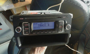 VW RADIO CD MP3 RCD210 caddy,golf5,golf6....