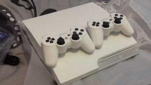 PS3 Slim Bijeli Čipovan 1000 GB Fifa 19, Pes 19 NBA