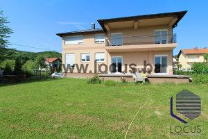 LOCUS prodaje:Atraktivna kuća i dvorište,Lješevo,Ilijaš