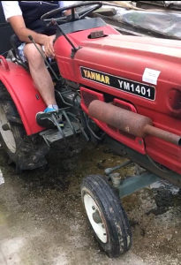 Traktor YANMAR