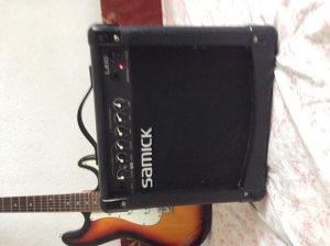 gitarsko pojacalo Samick 22W