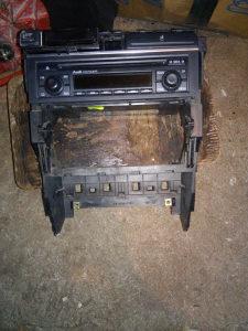 Konzola radija i radio audi a4