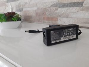 Punjac/Adapter Hp 18.5 V 3.5 A iglica