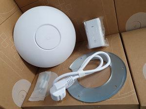 UBIQUITI Access Point UniFi AC PRO, 450 Mbps/1300 Mbps
