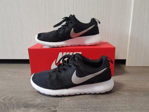 Nike Roshe Run Tanjun patike za trčanje 39/40