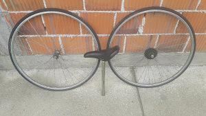 Feluge i gume biciklo