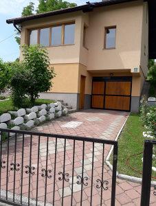 Kuća sa okućnicom 999 m2