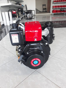 Motor motokultivator dizel 8ks kosilica freza