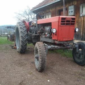 Traktor Belarus Belorus. Moze zamjena.