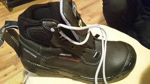 Radne cipele nove broj 42,43,44,45