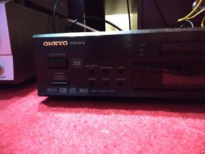 Onkyo integra SACD, DVD, CD player