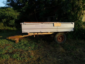 Traktor Prikolica tehnostrojka