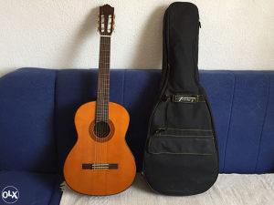 Akustična gitara Yamaha C-70