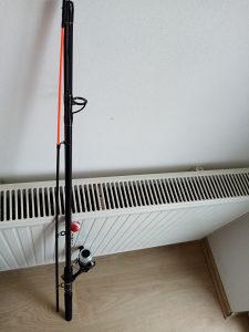Stap za pecanje sa priborom