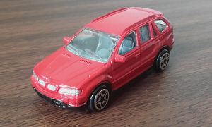 REAL TOY BMW X5 (P19)