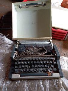 Olympia masina za pisanje za dijelove