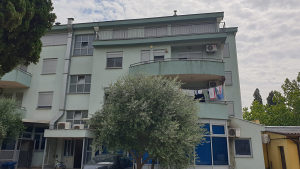 Prodaje se dvosoban stan u Koloniji